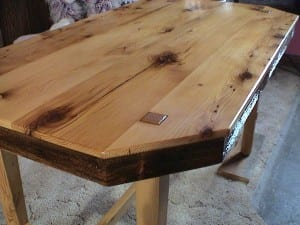 Reclaimed wood projects for your next project for Old barn wood craft projects