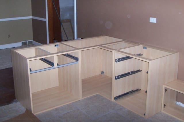 Building european cabinets for Building kitchen cabinets