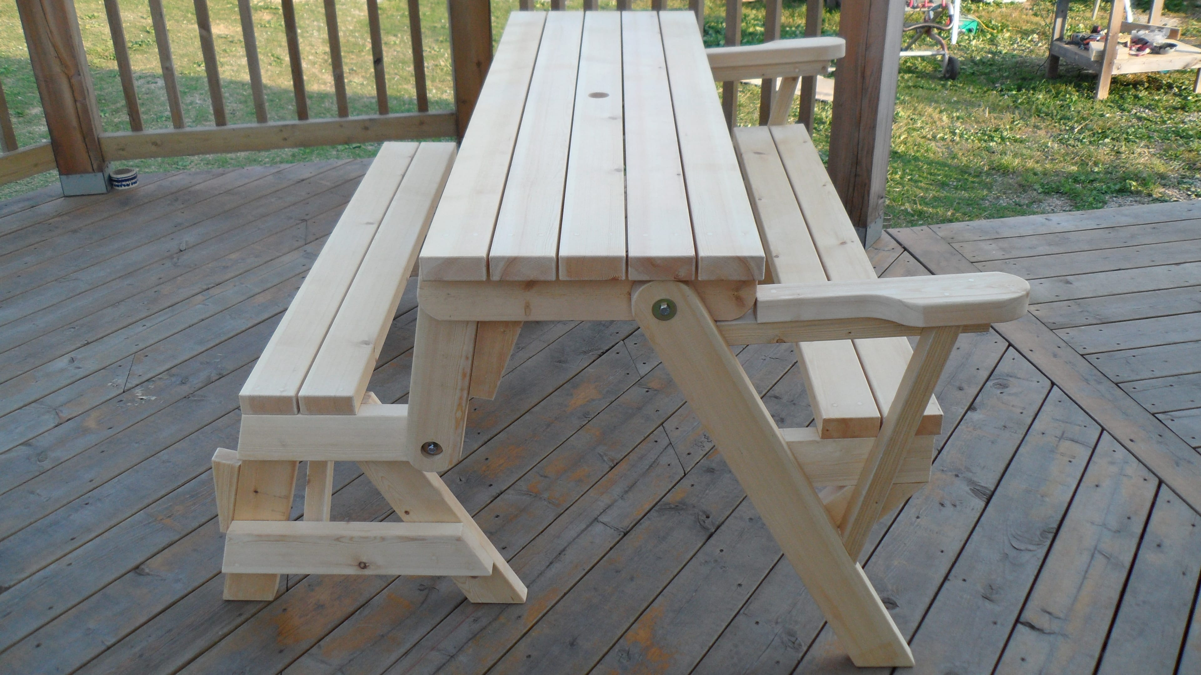 build a folding picnic table