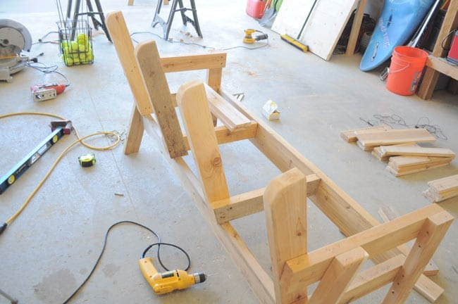 Double bench chair and table – Wonderful Woodworking